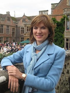 Fiona Bruce - Presenter photo