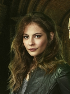 Thea Queen photo