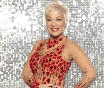 Denise Welch photo