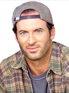 Luke Danes photo