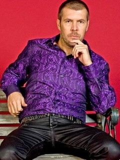 Rhod Gilbert - Host photo