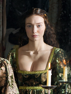 The White Queen - Isabel Neville, Duchess of Clarence   Look   Isabel Neville