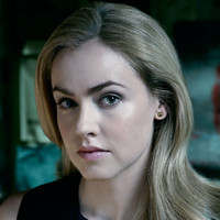 Dr. Cassandra Railly played by Amanda Schull