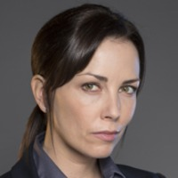 Detective Isabelle Latendresse played by Maxim Roy