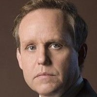Tom Lennox played by Peter MacNicol