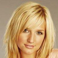 Cecilia Smith played by Ashlee Simpson