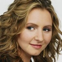 Lucy Camden played by Beverley Mitchell