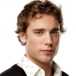 Ethan Ward played by Dustin Milligan