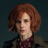 Gillian Chamberlain played by Louise Brealey