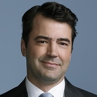 Jon played by Ron Livingston Image