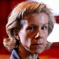 Helen Ryland played by Juliet Stevenson