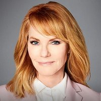 Lisa Benner played by Marg Helgenberger
