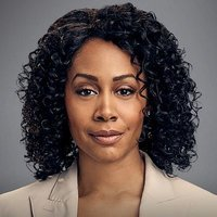 Lola Carmichael played by Simone Missick