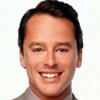 Billy Thomasplayed by Gil Bellows