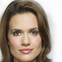 Maggie Hall played by Torrey DeVitto