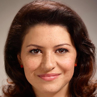 Maeby  played by Alia Shawkat