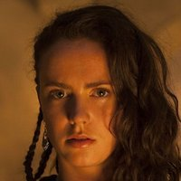 Medea played by Amy Manson