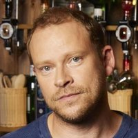Andrew played by Robert Webb