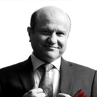 Bruno Bonsignori played by Enrico Colantoni