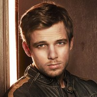 Dylan Bates played by Max Thieriot