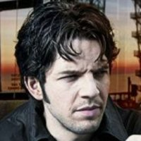 Hal played by Damien Molony
