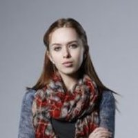 Val  played by Elizabeth McLaughlin