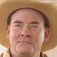 Beau played by David Koechner