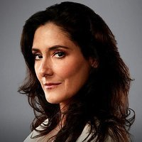 Dr Ana Castilloplayed by Alicia Coppola