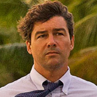 John Rayburn played by Kyle Chandler