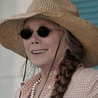 Sally Rayburn played by Sissy Spacek