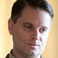 Elias 'Eli' Thompson played by Shea Whigham