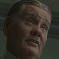 Manny Horvitz played by William Forsythe