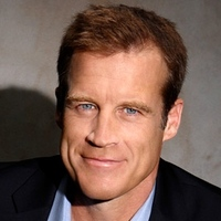 Det. Tommy Sullivan played by Mark Valley