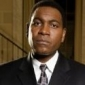 Detective Bobby 'Fearless' Smithplayed by Mykelti Williamson