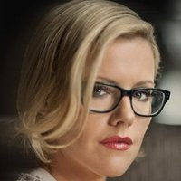 Kitty O'Neill played by Kathleen Robertson