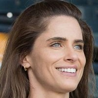 Jules played by Amanda Peet Image