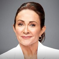 Carol Kenney played by Patricia Heaton Image