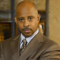 Capt. Roy Montgomery played by Ruben Santiago-Hudson