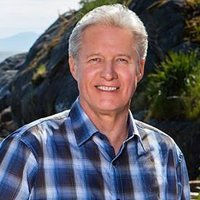 Bob Beldon played by Bruce Boxleitner