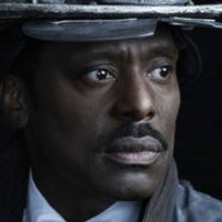 Chief Wallace Boden played by Eamonn Walker Image