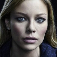 Leslie Shay played by Lauren German