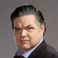 Dr. Daniel Charles played by Oliver Platt