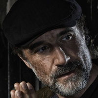 Det. Alvin Olinsky played by Elias Koteas