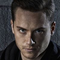Det. Jay Halstead played by Jesse Lee Soffer