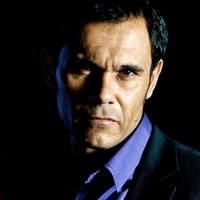 Duncan Freeman played by Aaron Pedersen