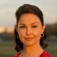 Ashley Judd - Host