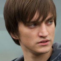 Julian Randal played by Richard Harmon