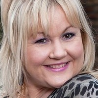 Beth Tinker played by Lisa George