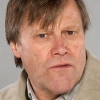 Roy Cropperplayed by David Neilson