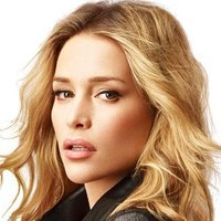 Annie Walkerplayed by Piper Perabo